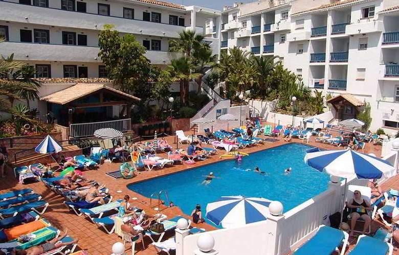 Crown Resorts - Pool - 8