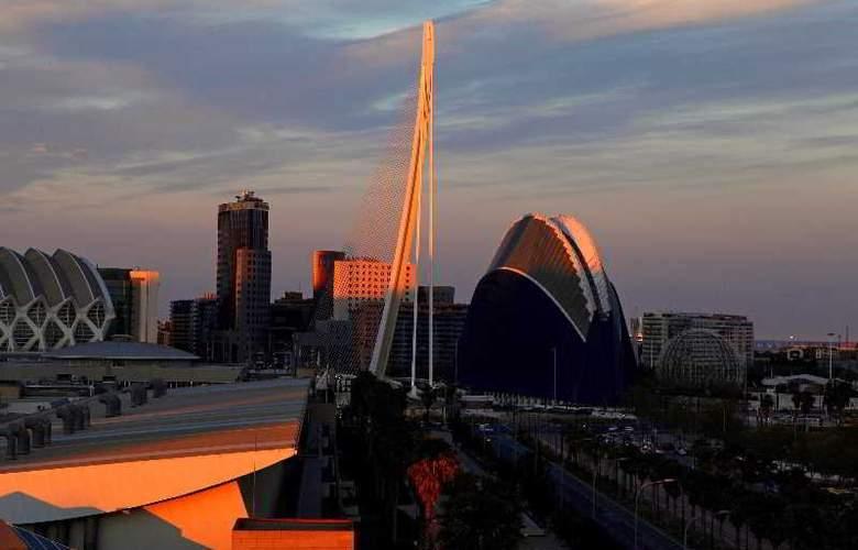 Holiday Inn Express Ciudad de las Ciencias - Sport - 9