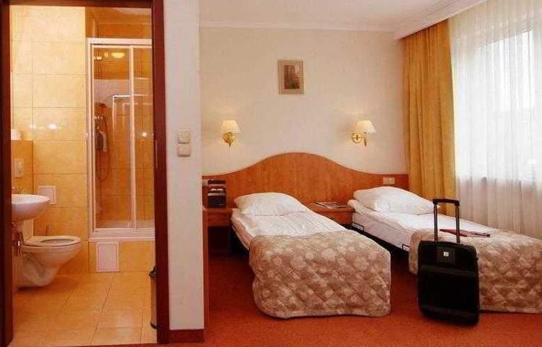 Best Western Hotel Portos - Hotel - 11