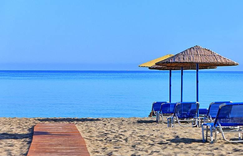 Santa Marina Beach - Beach - 8