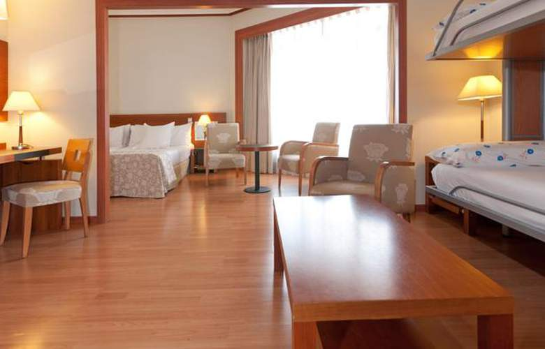 Madrid Plaza España Managed by Meliá - Room - 12