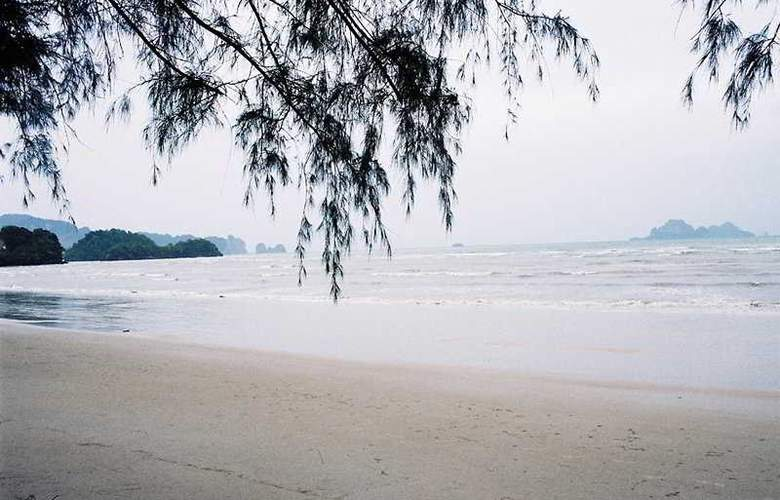 Private Beach Resort - Beach - 6