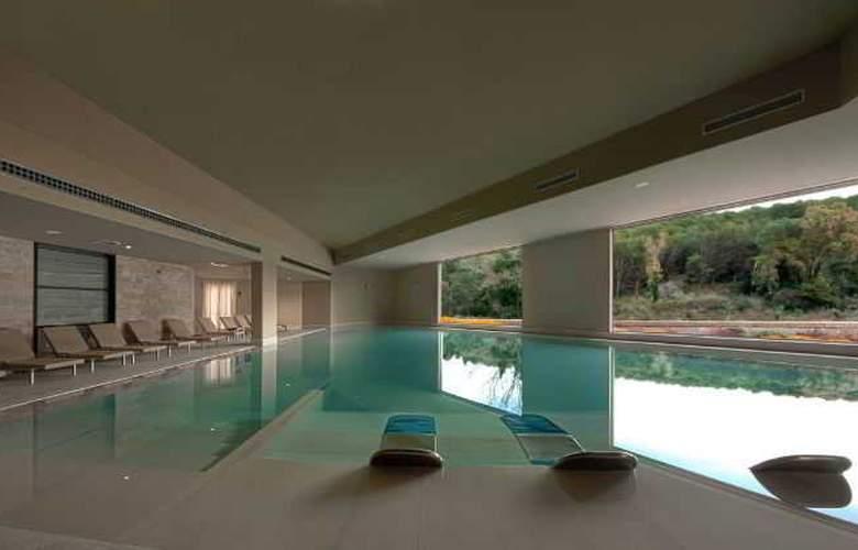 Basiliani Resort & Spa - Pool - 9