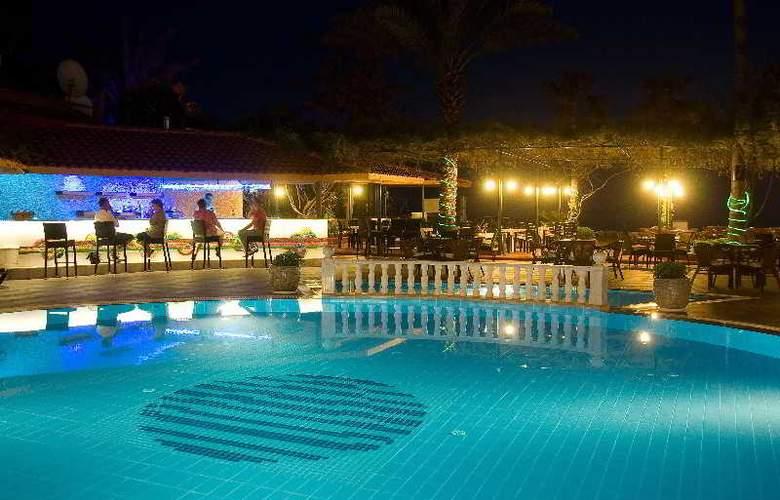 Azak Hotel - Pool - 12