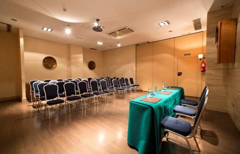 Occidental Granada - Conference - 4