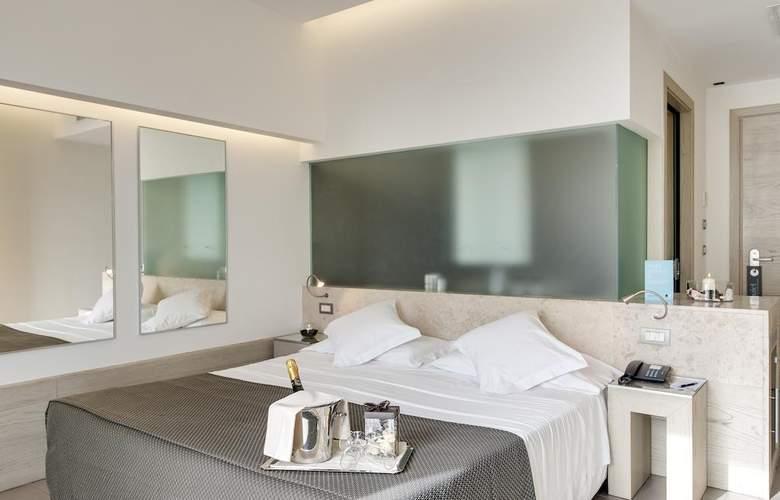Barceló Aran Blu - Room - 7