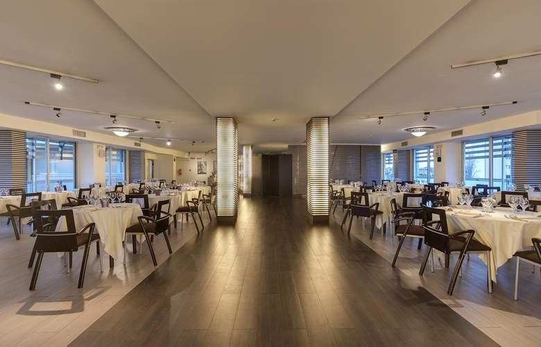 Occidental Aran Park - Restaurant - 5