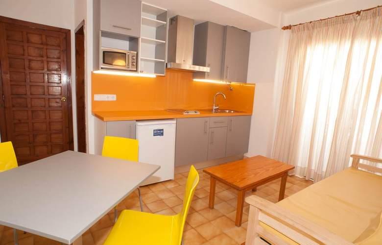 Poniente Playa - Room - 6