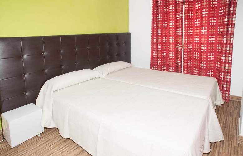Poniente Playa - Room - 7