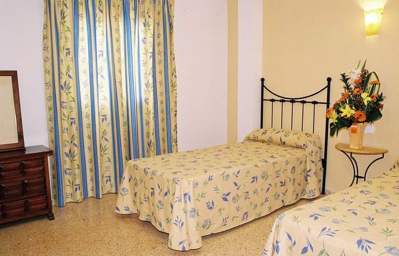 Poniente Playa - Room - 1