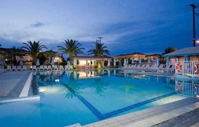 Golden Sun Hotel ZTH - Pool - 7
