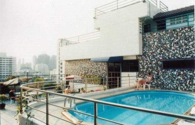 Royal Asia Lodge Sukhumvit 8 - Pool - 6