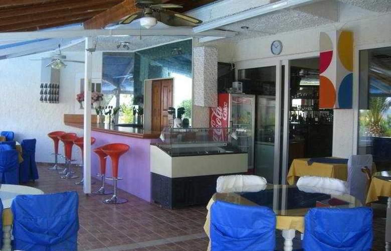 Oceanida Bay - Bar - 9