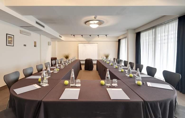 Occidental Aran Park - Conference - 11