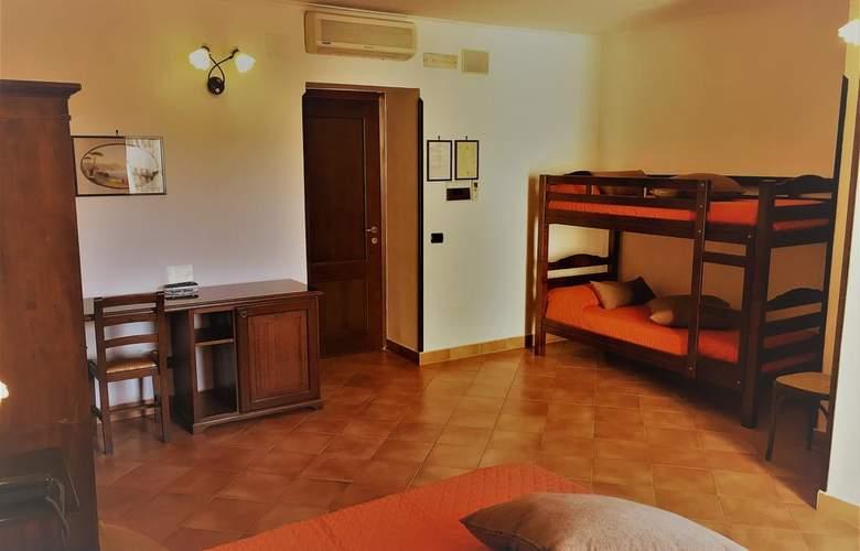 Neapolis - Room - 9