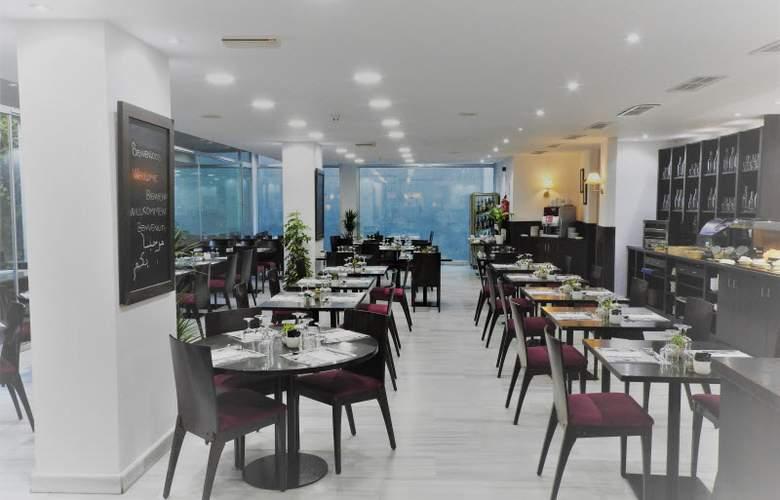 B&B Madrid Pinar de Las Rozas - Restaurant - 23