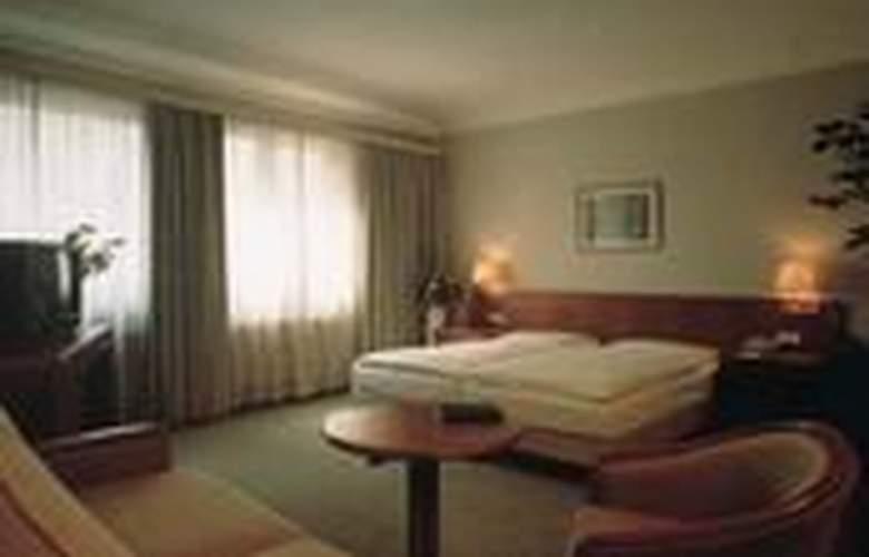 Excelsior Frankfurt - Room - 1