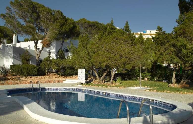Fiesta Hotel Cala Gracio - Pool - 17