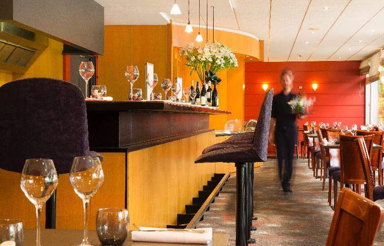 Escale Oceania Brest Aéroport - Restaurant - 18