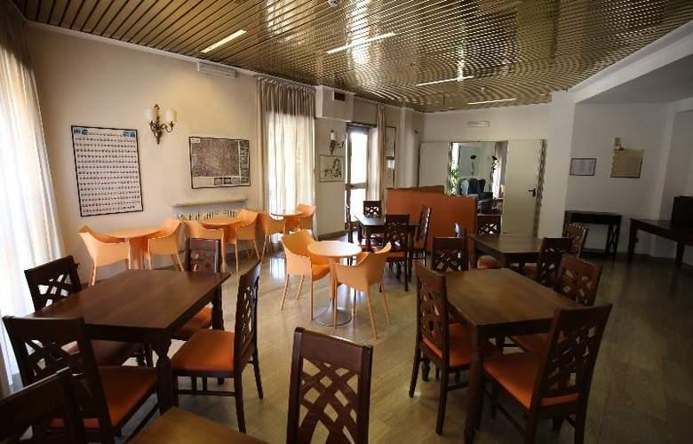 Derby - Restaurant - 12