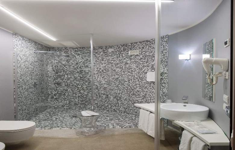 MO.OM Hotel - Room - 7