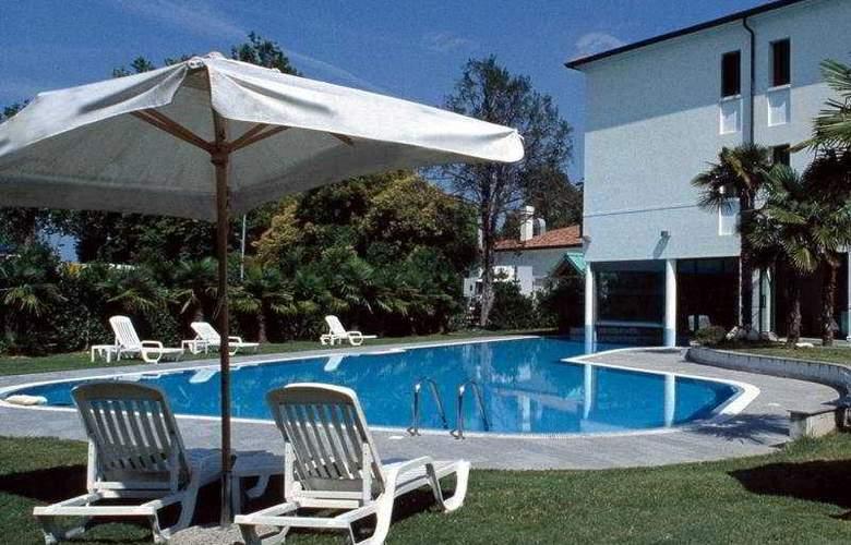 Villa Pace Park Bolognese - Pool - 4