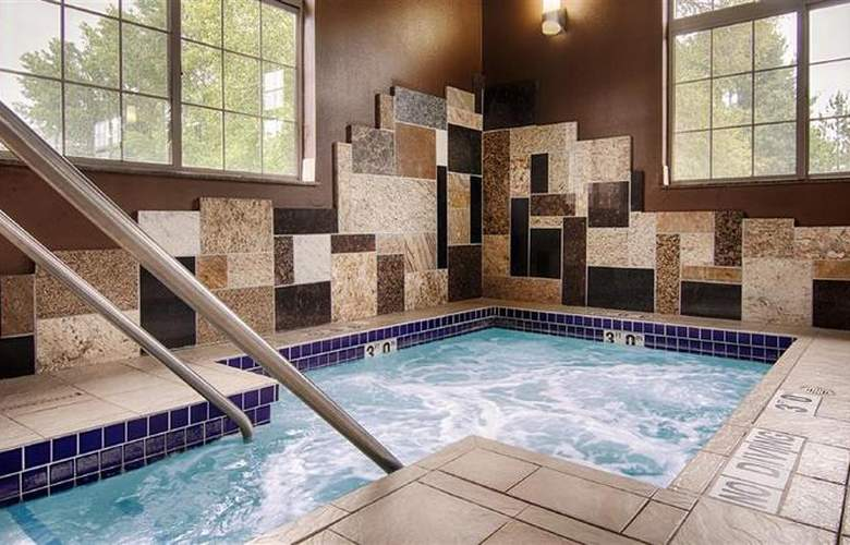 Best Western Plover Hotel & Conference Center - Pool - 47