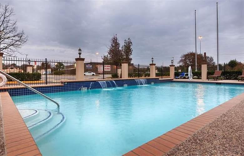 Best Western Greenspoint Inn and Suites - Pool - 2