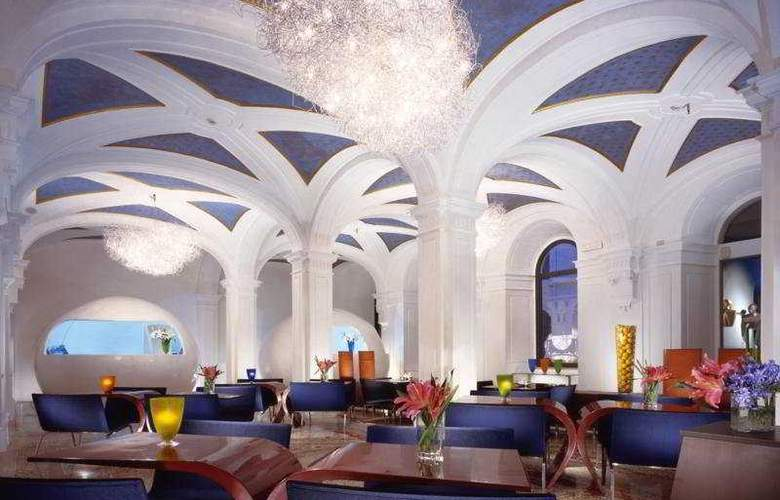Art by the Spanish Steps - Restaurant - 9