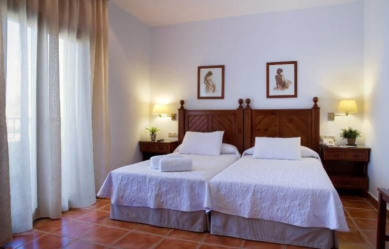 Antonio II - Room - 5