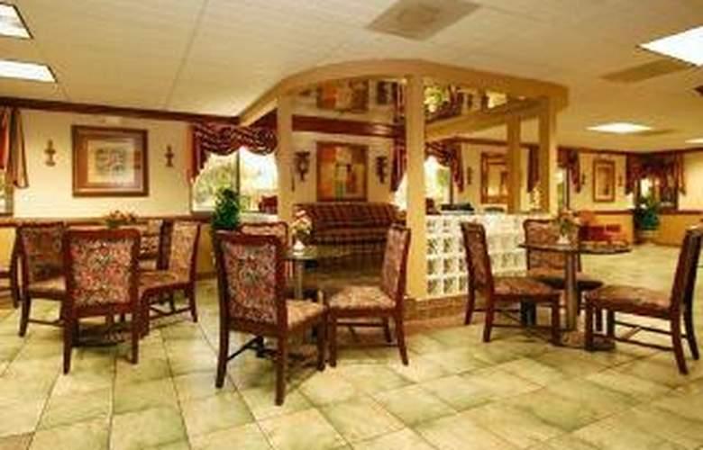 Quality Inn & Suites Ft. Jackson Maingate - General - 1
