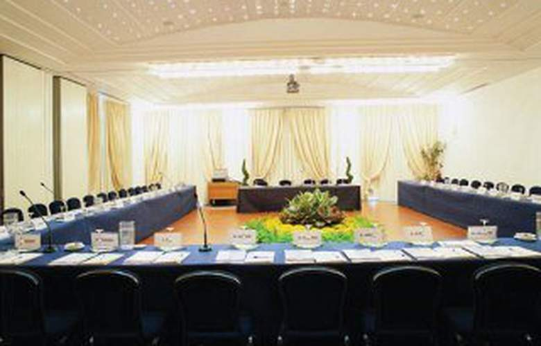 Garden - Conference - 5