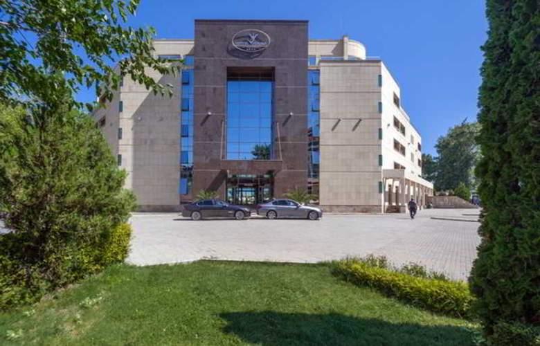 Jeravi - Hotel - 0