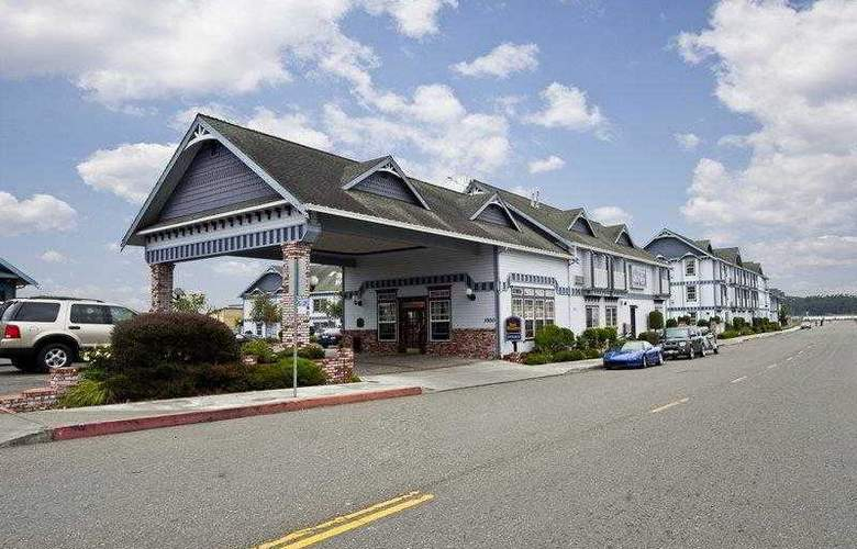 Best Western Plus Bayshore Inn - Hotel - 1