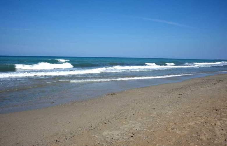 Maravel Land - Beach - 26