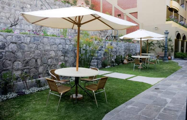 El Cabildo - Terrace - 15
