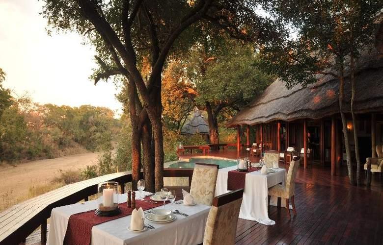 Imbali Safari Lodge - Restaurant - 20