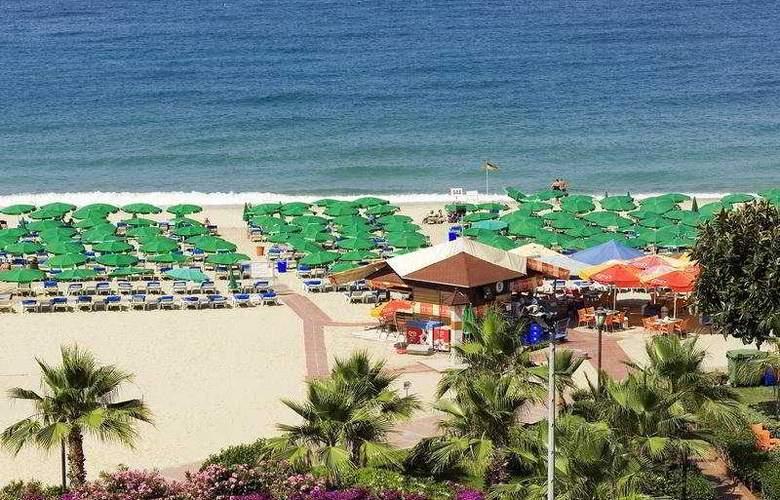 Riviera Hotel - Beach - 5