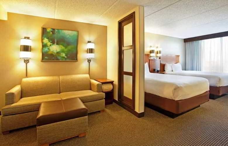 Hyatt Place Orlando Universal - Room - 12