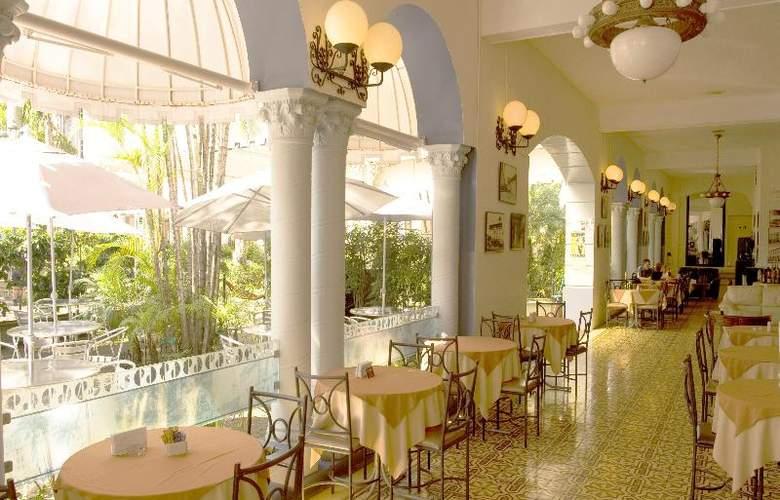 Gran Hotel Costa Rica - Restaurant - 34