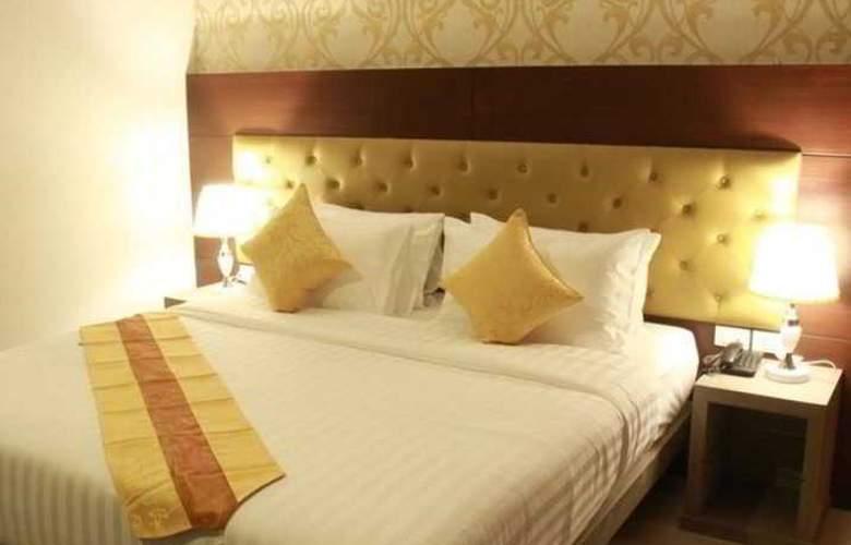 Hemingway's Silk Hotel - Room - 2