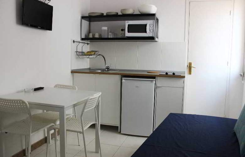 Apartaments AR Bellavista - Room - 12