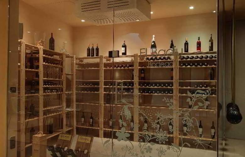 Rafael Hoteles Badalona - Restaurant - 37