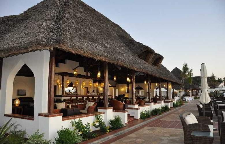 Sea Cliff Resort & Spa - Bar - 4
