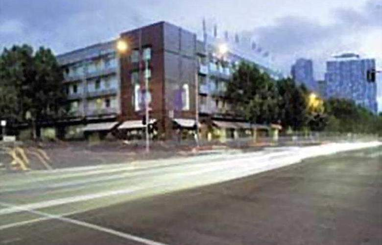 Quality Hotel Downtowner on Lygon - Hotel - 0