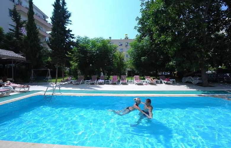 Suite Laguna Apart & Hotel - Pool - 23
