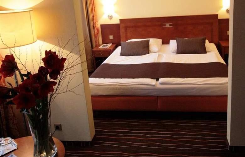 Luxury Family Hotel Bílá Labut - Room - 68