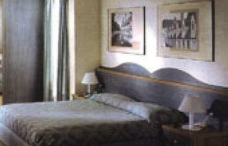 Lazzari - Room - 0