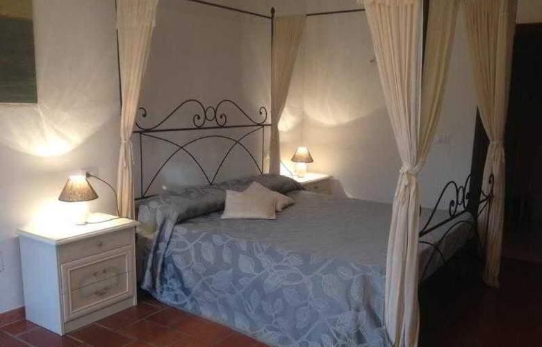 Campo di Carlo - Room - 10