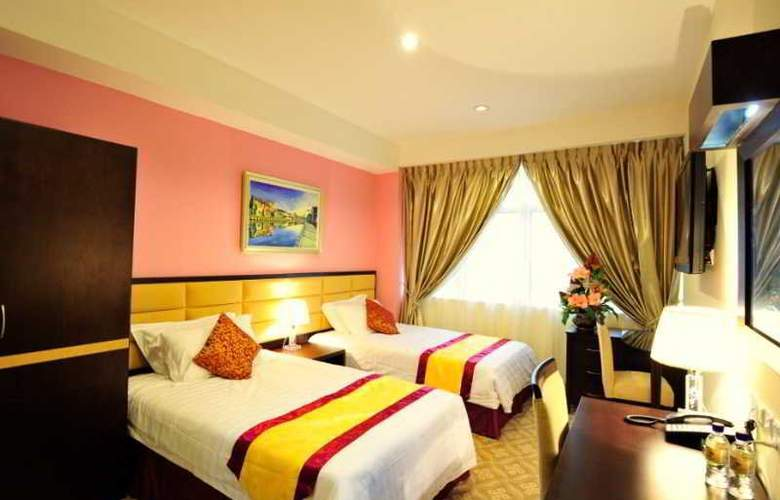 Hallmark Crown Hotel - Room - 12